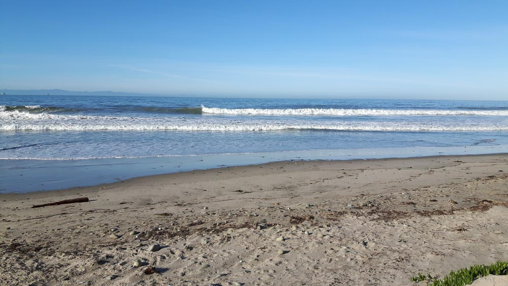 Strand und Pazifik am Carpenteria State Beach