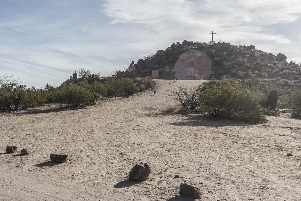 Grotto Hill mit Gipfelkreuz