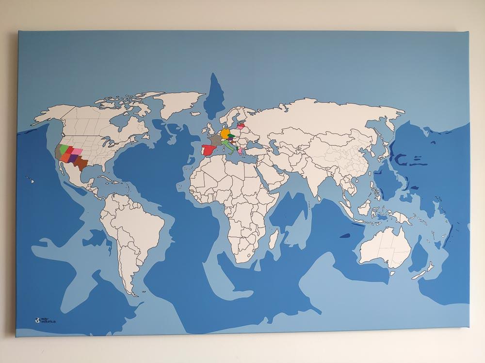 Diese bunte Weltkarte war Ideengeber für den Titel des Reiseblogs buntekarte