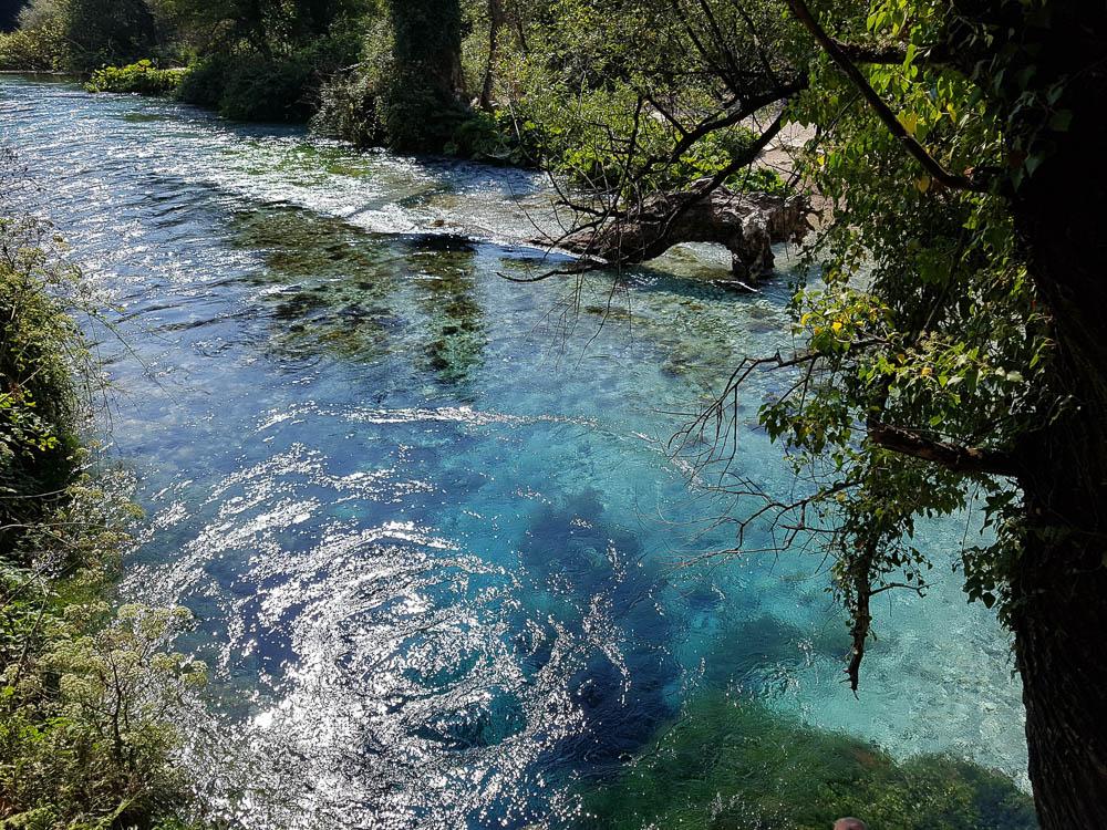 The Blue Eye in Albania. Eine von vielen Sehenswürdigkeiten in Albanien.