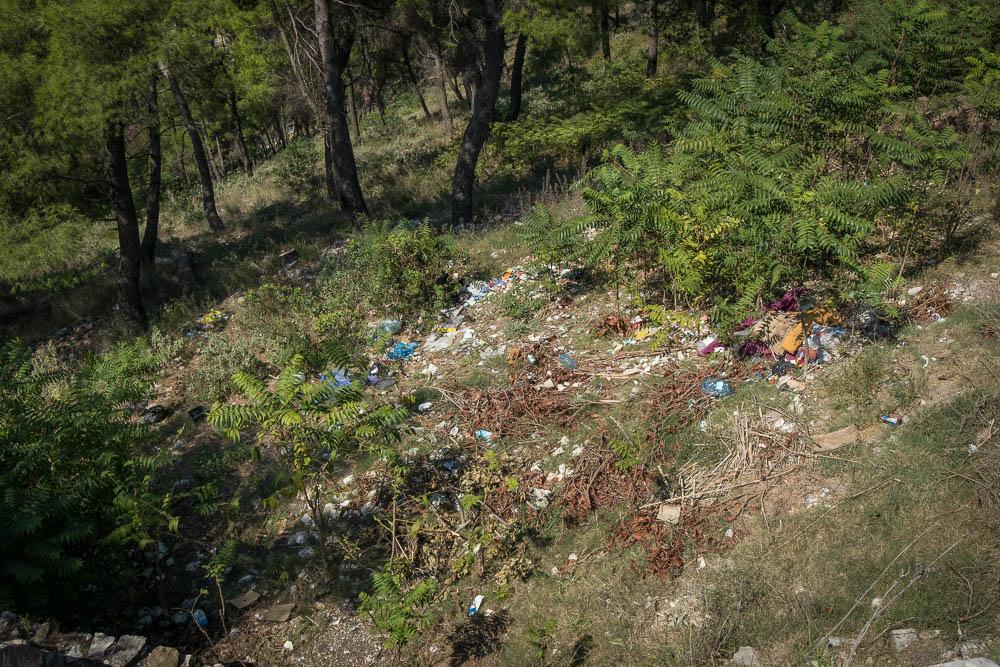 Müllproblem am Hang der Burg von Berat