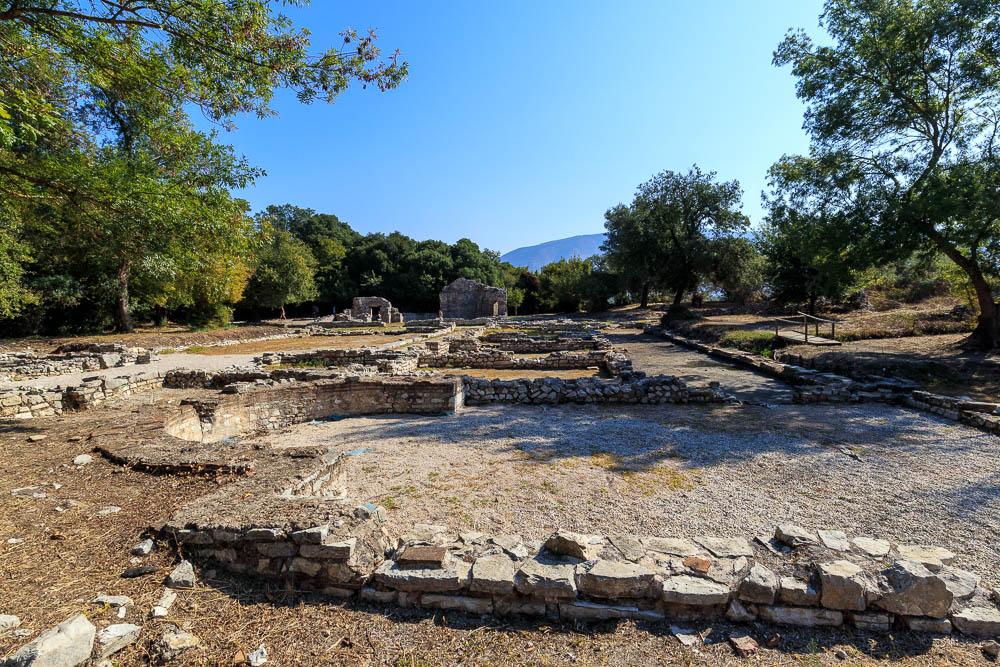 In der Ausgrabungsstätte Butrint. Eine von vielen Sehenswürdigkeiten in Albanien.