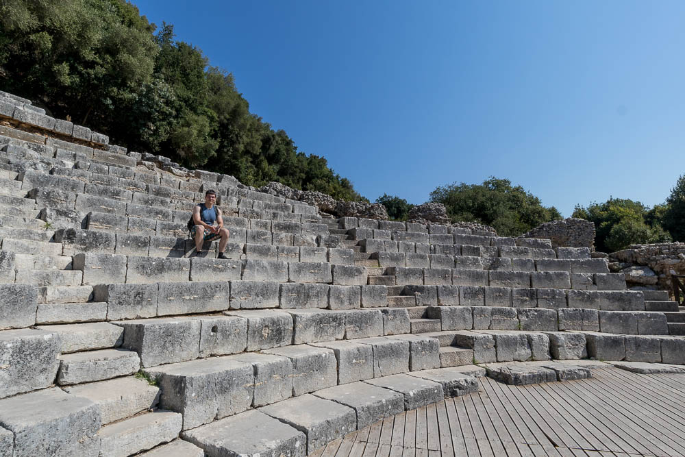 Christian im Amphitheater in Butrint