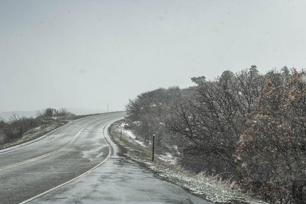 Winterliche Straße im Mesa Verde National Park