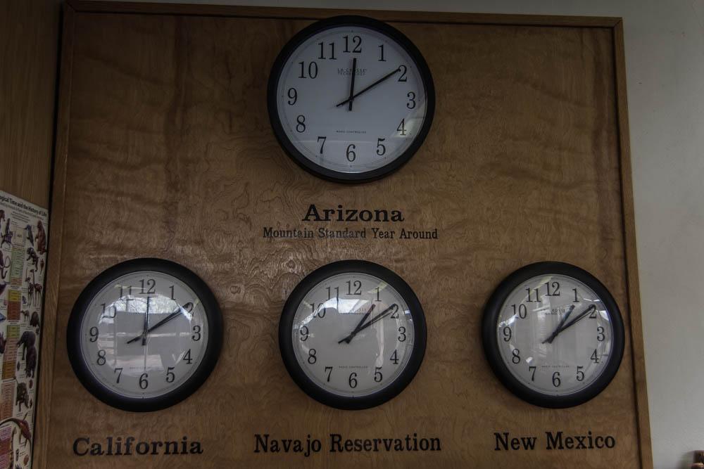 Aufgrund der vielen Bundesstaaten und des Navajogebietes hat man ständig andere Uhrzeiten zu beachten