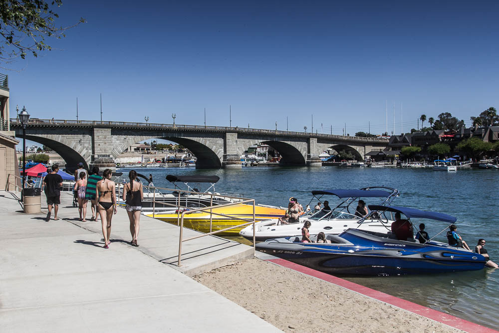 London Bridge in Lake Havasu City. Einer unserer Top 10 der Sehenswürdigkeiten in Arizona.