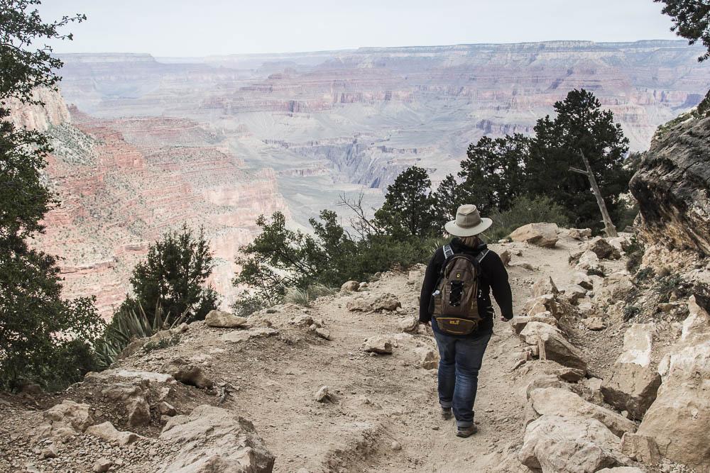 Pauline beim Wandern im Grand Canyon National Park