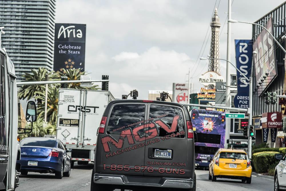 Werbung für einen der vielen Schießstände in Las Vegas. Gesehen am Las Vegas Strip.