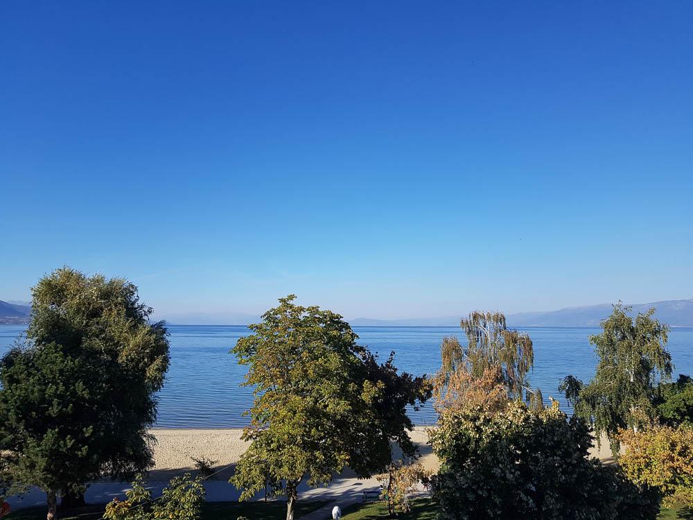 Blick von der Terrasse auf den Ohrid-See
