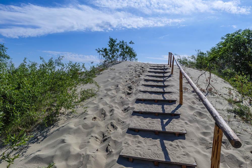 Holztreppe in den Dünen der Kurischen Nehrung