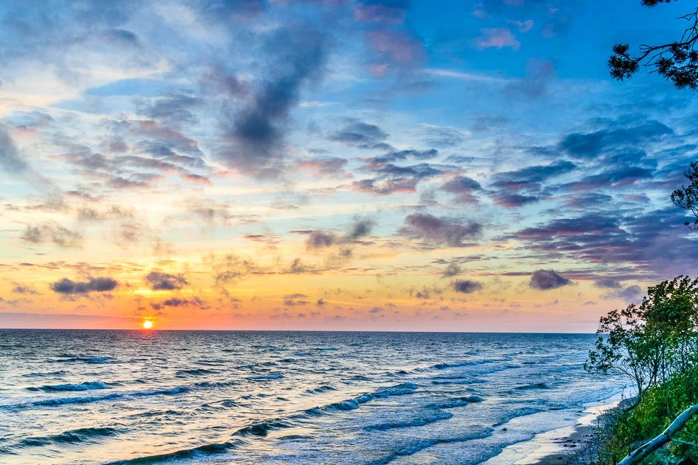 Sonnenuntergang über der Ostsee in Litauen
