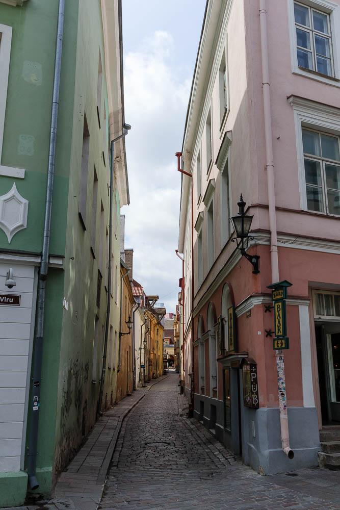 Enge Gasse in der Altstadt Tallinns
