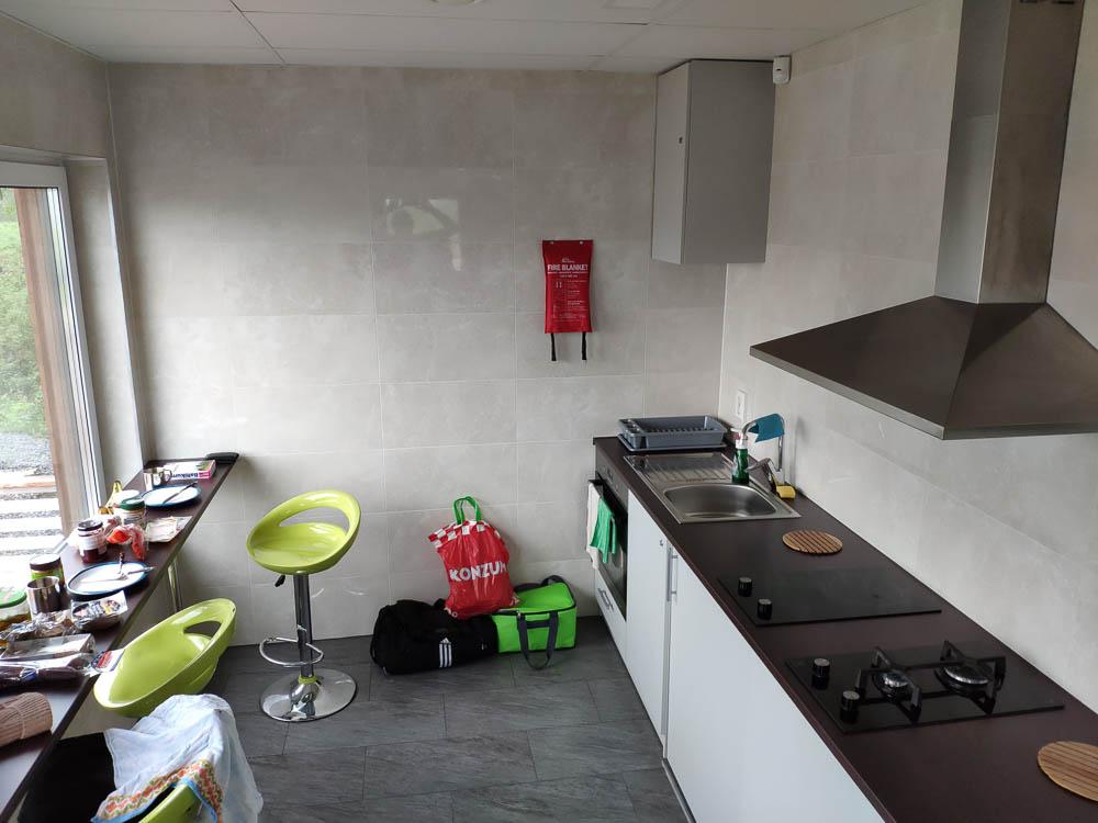 Kleine Küche bei Camping Mereoja