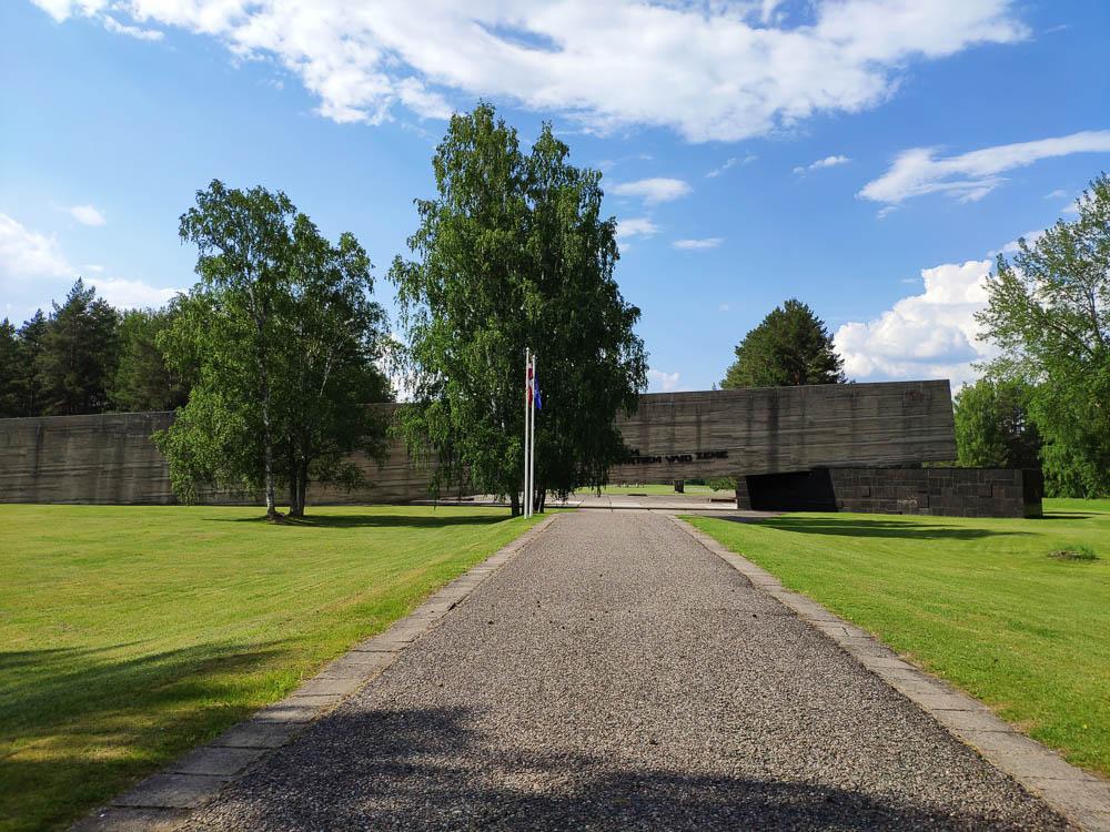 Kriegsdenkmal Salaspils memorials als eines der Sehenswürdigkeiten in Lettland