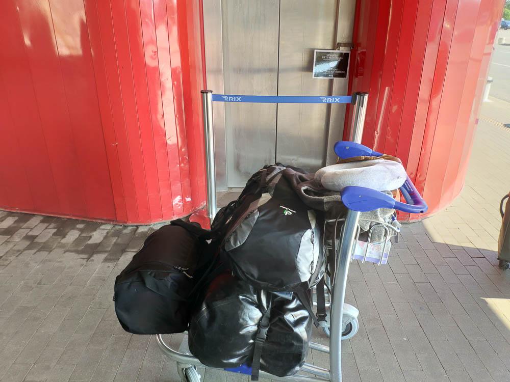 Defekter Aufzug Flughafen Riga