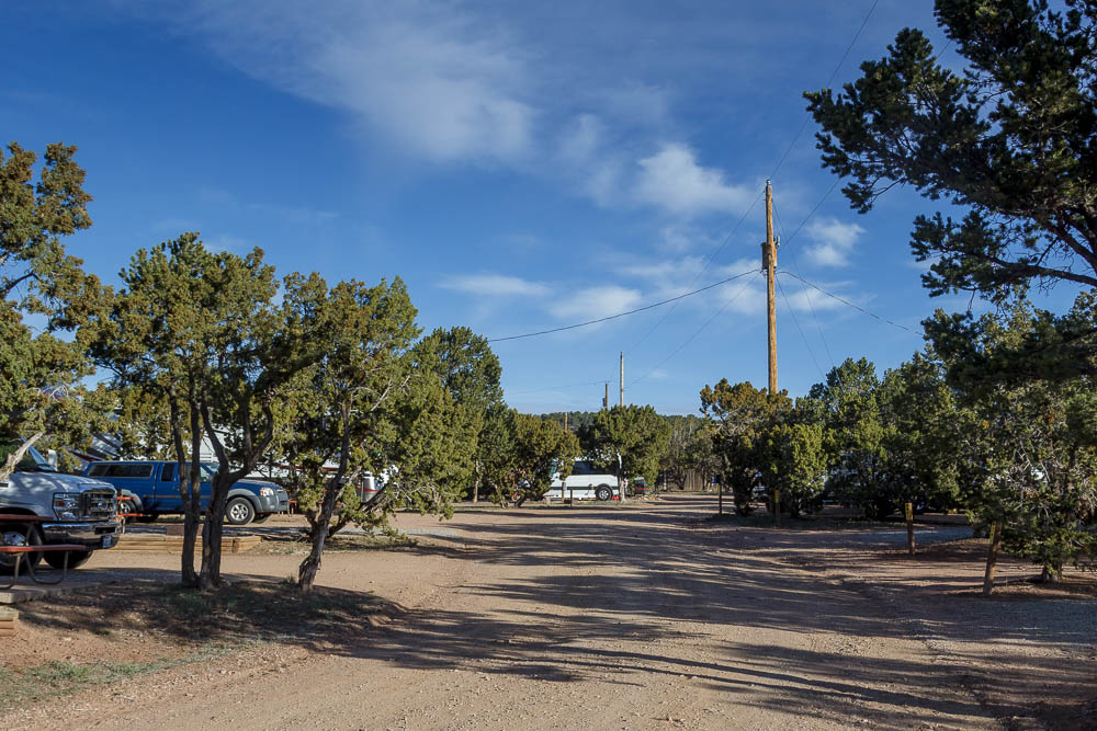 Blick auf die Stellplätze des Santa Fe KOA