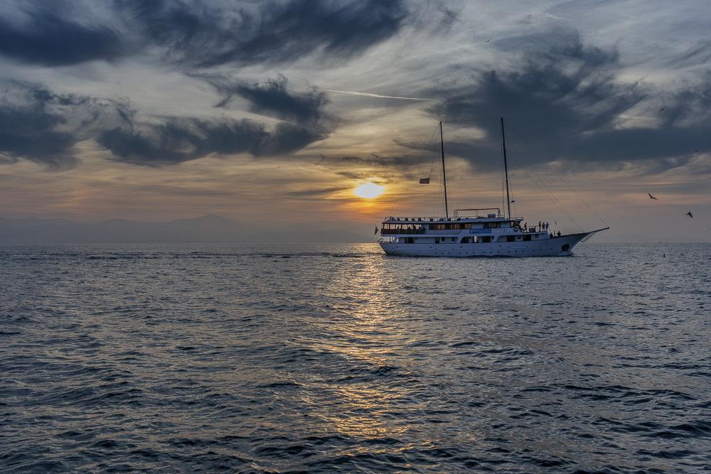 Der einsetzende Sonnenuntergang. Schonmal sehr vielversprechend an der Meeresorgel in Zadar.