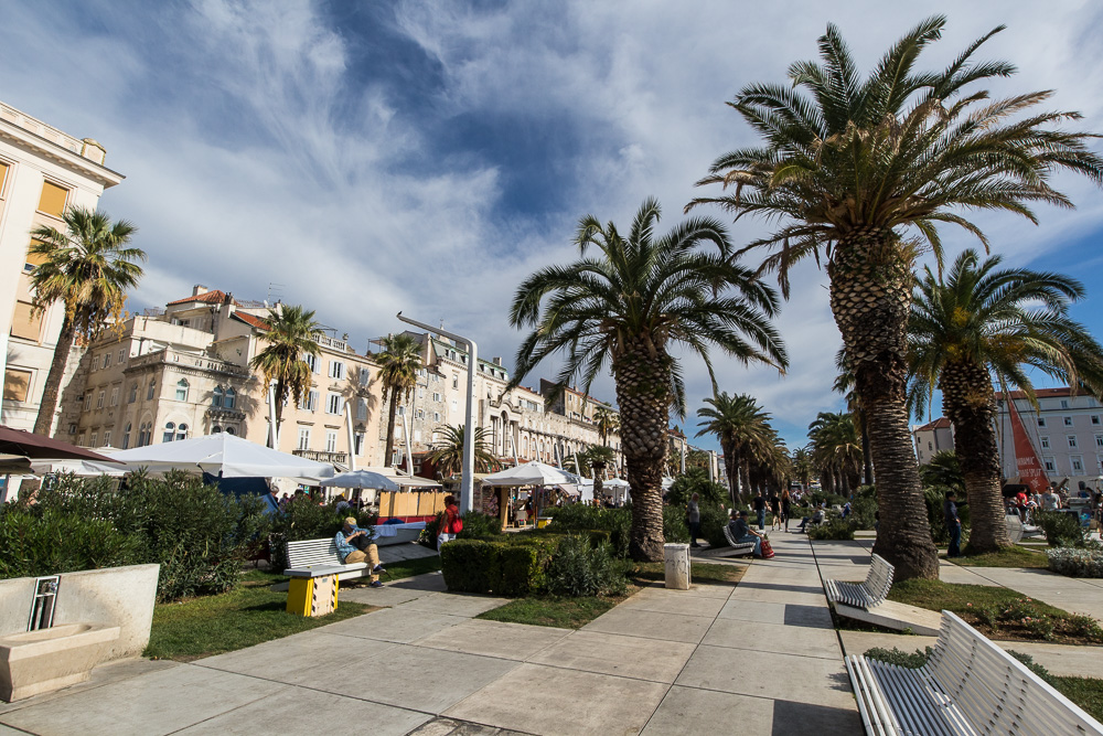 An der Hafenpromenade von Split