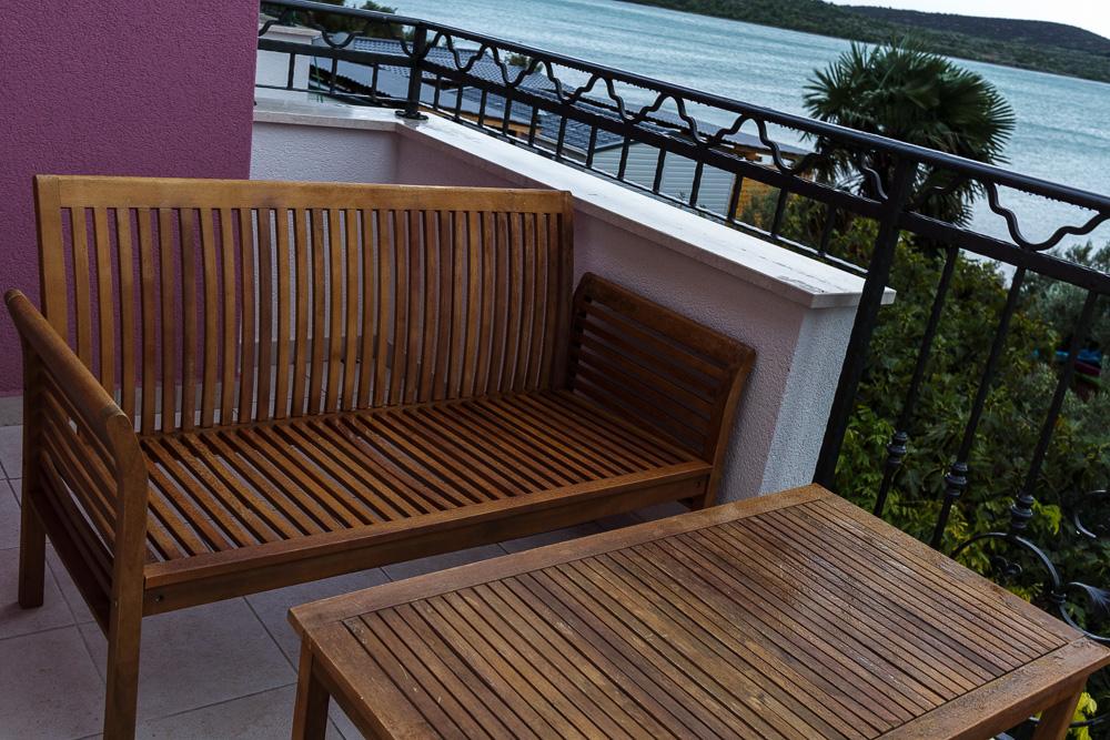 Schlechtwettertag in Kroatien, welchen wir nicht auf dem abgebildeten Balkon der Villa La Mirage verbringen konnten