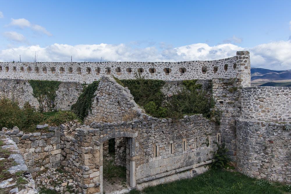 Alte Mauern der Festung Knin