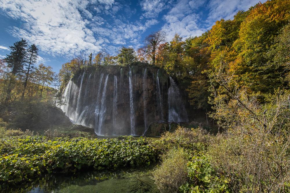 Einer der vielen Wasserfälle des Nationalparks Plitvicer Seen