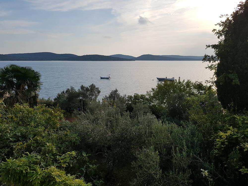 Blick vom Balkon unseres Apartmens in der Villa La Mirage auf das Mittelmeer.