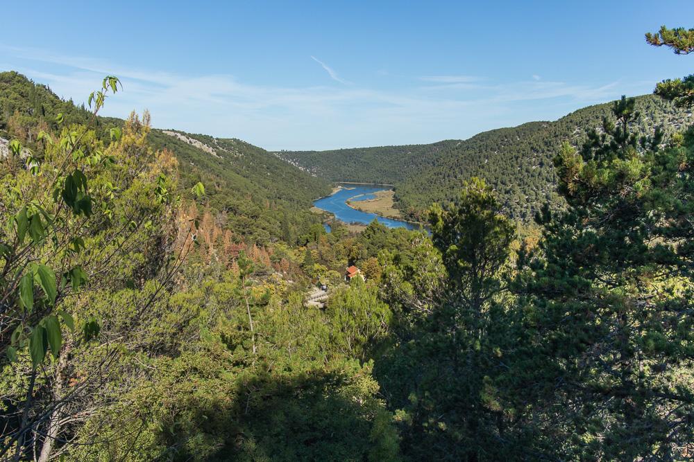 Blick auf den Fluss Krka im Nationalpark Krka