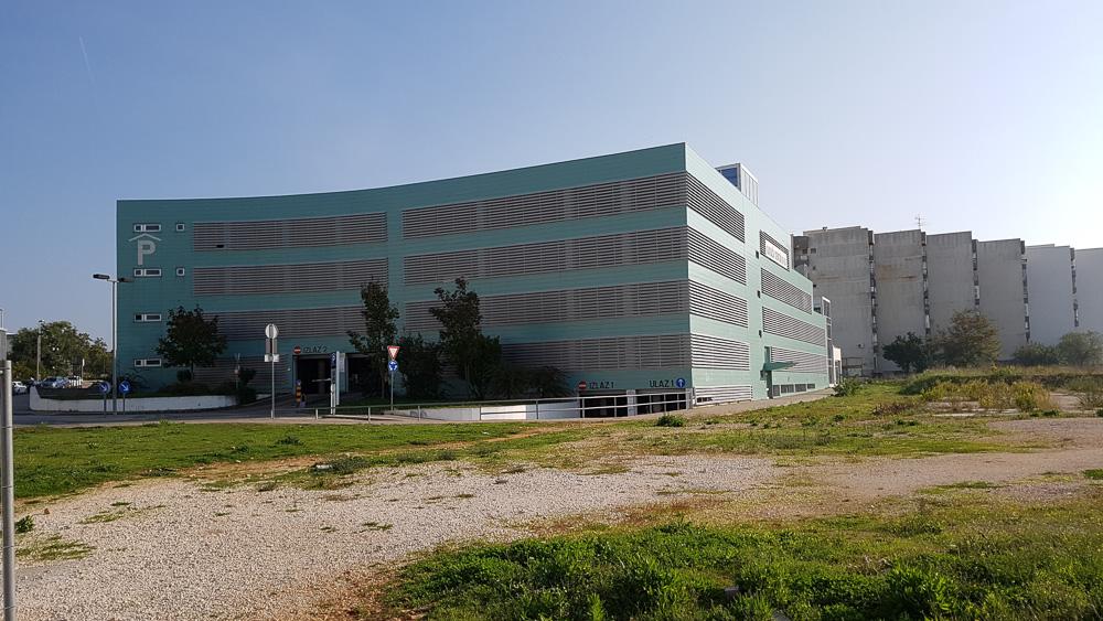 """Parkhaus """"Garage"""" nahe der Altstadt Zadars"""