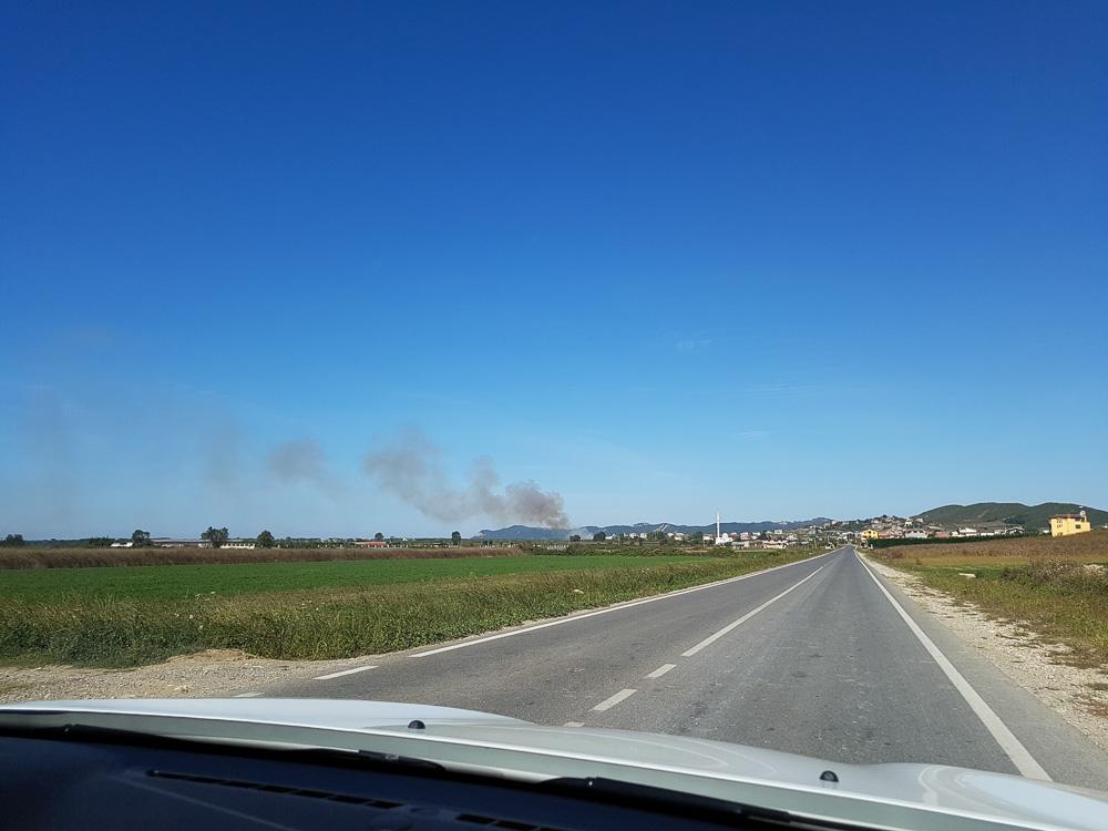 Auf albanischen Landstraßen unterwegs in Richtung Kepi i Rodonit.