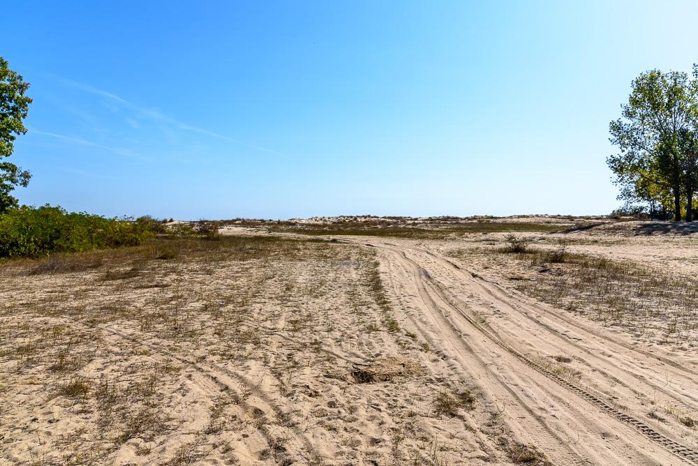 Breiter Zugang zu den Dünen sowie dem Sandstrand, leider auch viel befahren beim Geocaching in Bulgarien