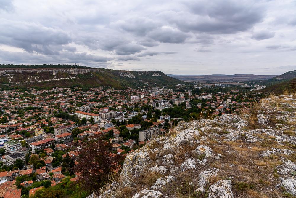 Blick von der Festung Ovech auf die Stadt Provadia