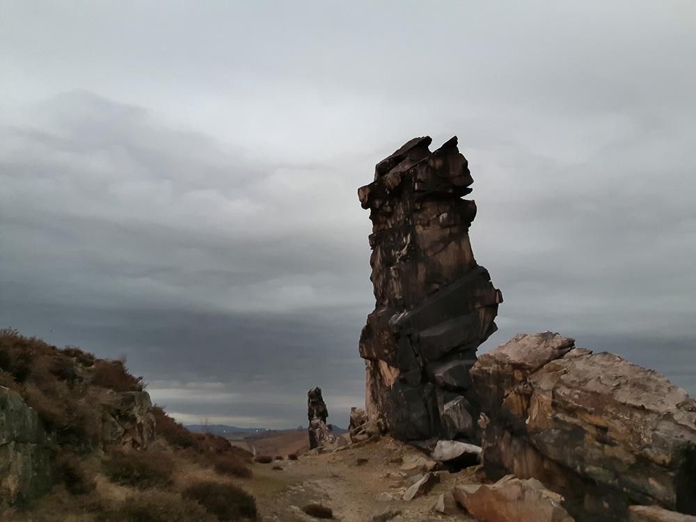 Spektakuläre Felsformationen an der Teufelsmauer im Harz