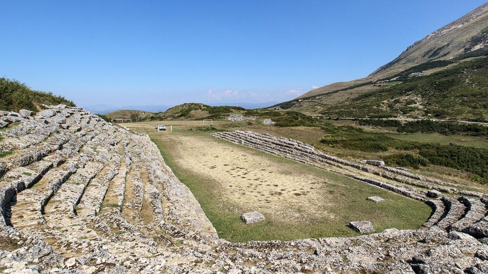 Reisetipp Albanien: Erkundung der antiken Sportstätte Amantia