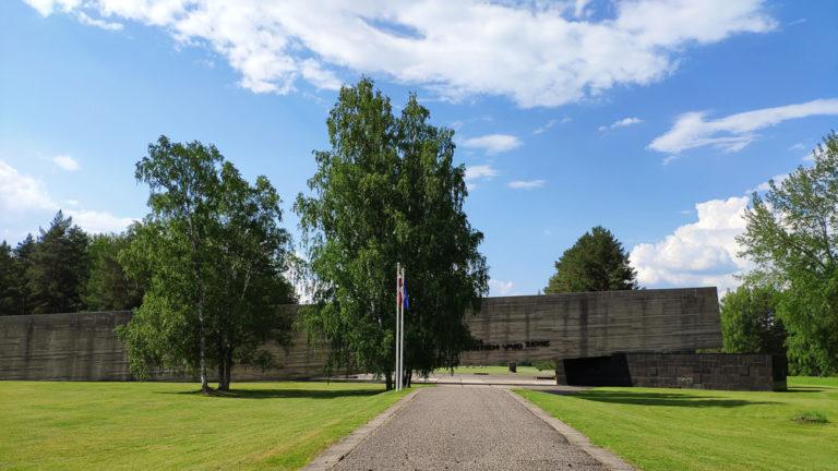 Salaspils Memorials mit der Gedenkstätte