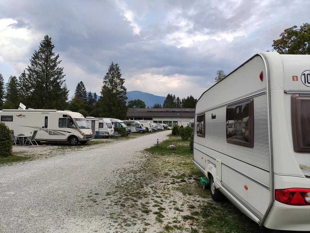 Die etwas größeren Komfortstellplätze für Wohnmobile und Caravans