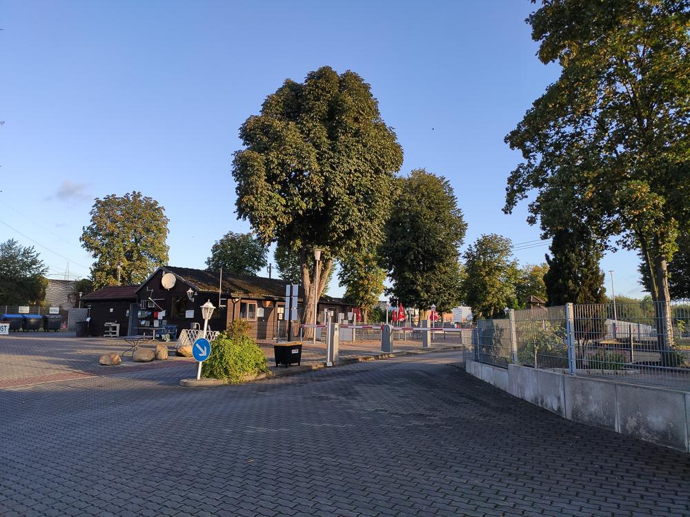 Rezeption und Zufahrt zum Campingplatz Uentrop Helbach