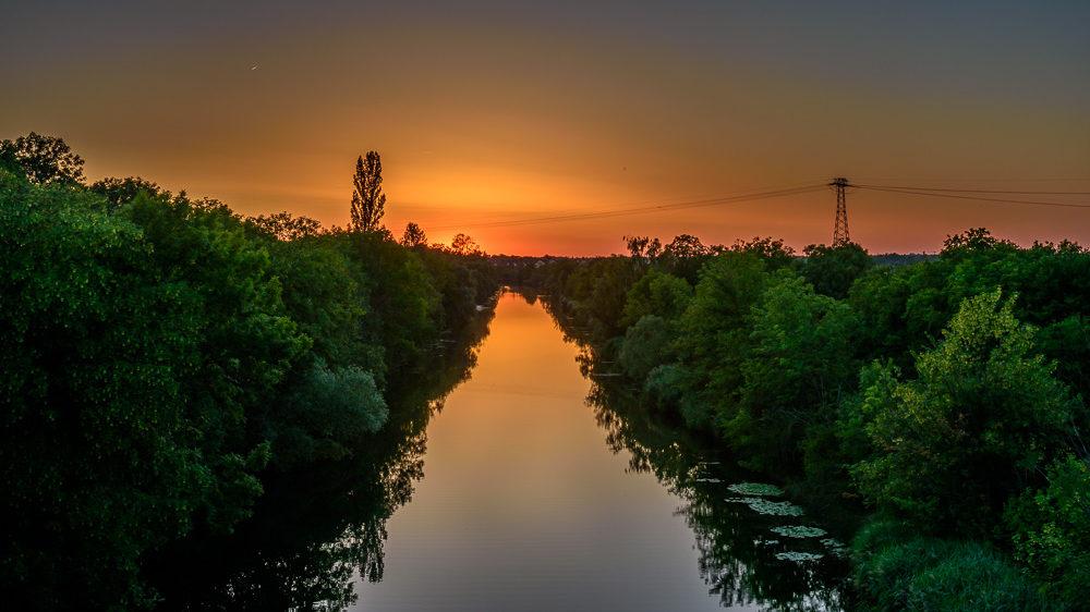 Sonnenuntergang über dem Elster-Saale-Kanal in Leipzig-Rückmarsdorf