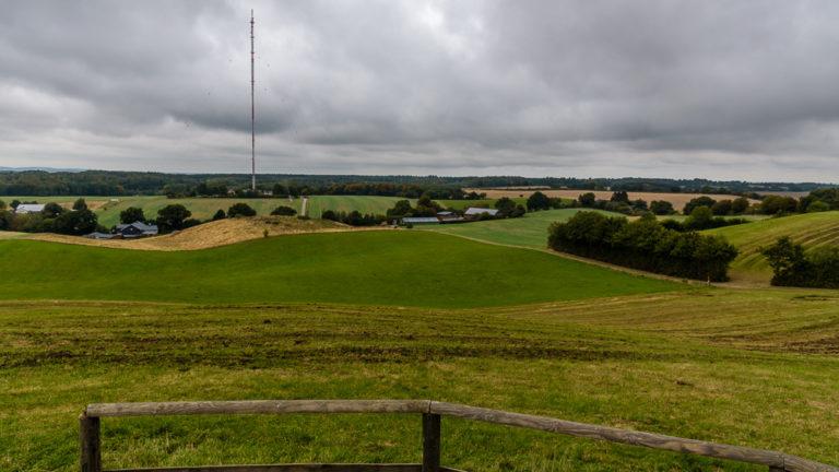 Blick vom Gipfel des Bungsberg auf die Hügel Schleswig-Holsteins