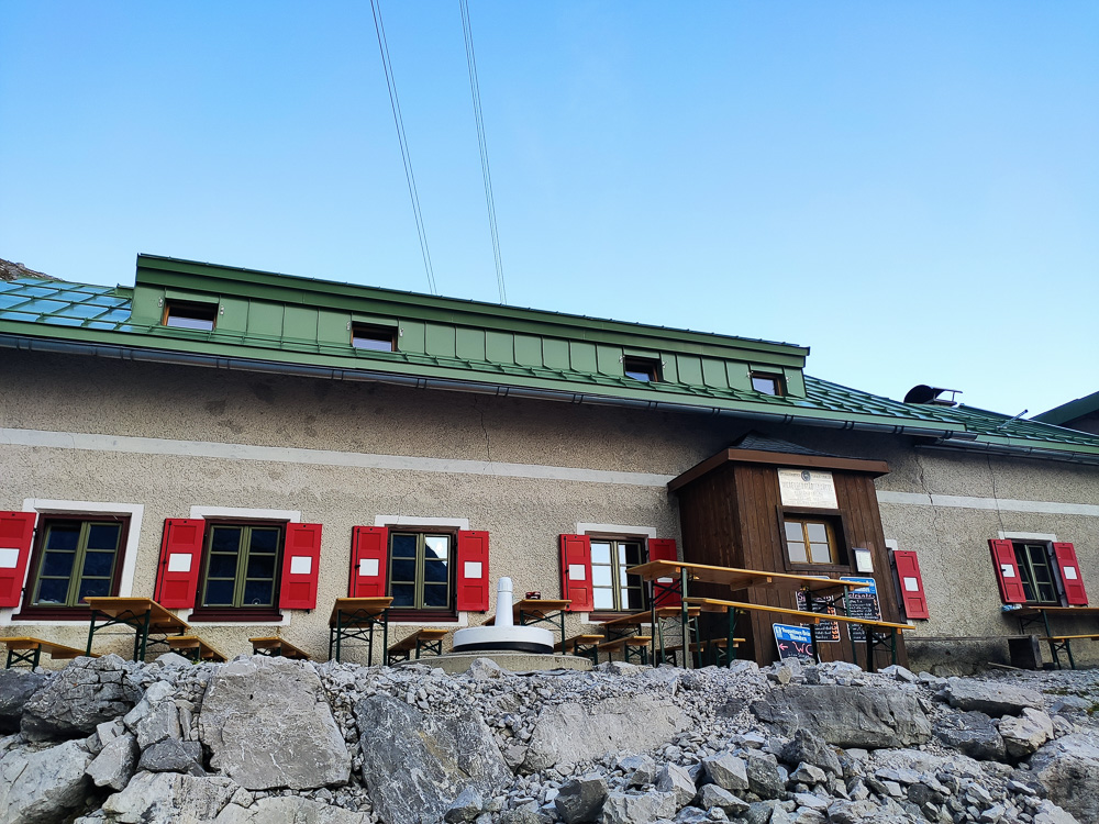 An der Wiener Neustädter Hütte auf der Zugspitze