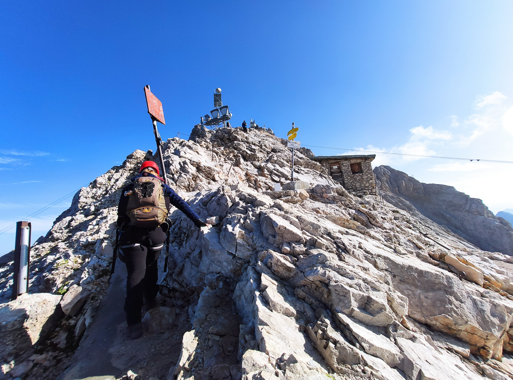 Nach dem Ende des Stopselzieher-Klettersteiges war es gar nicht mehr so weit bis auf den Gipfel der Zugspitze. Definitiv eines der Highlights im Jahr 2020.