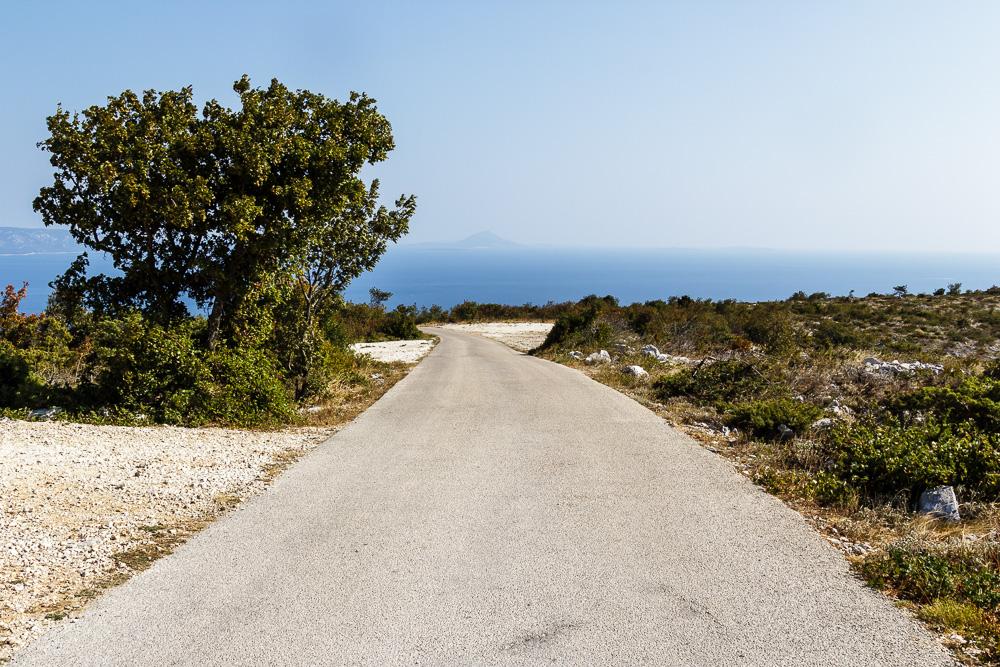 Auf diesen kleinen Straßen umrundeten wir die Halbinsel im Süden von Labin und hatten dabei immer wieder tolle Blicke aufs Meer