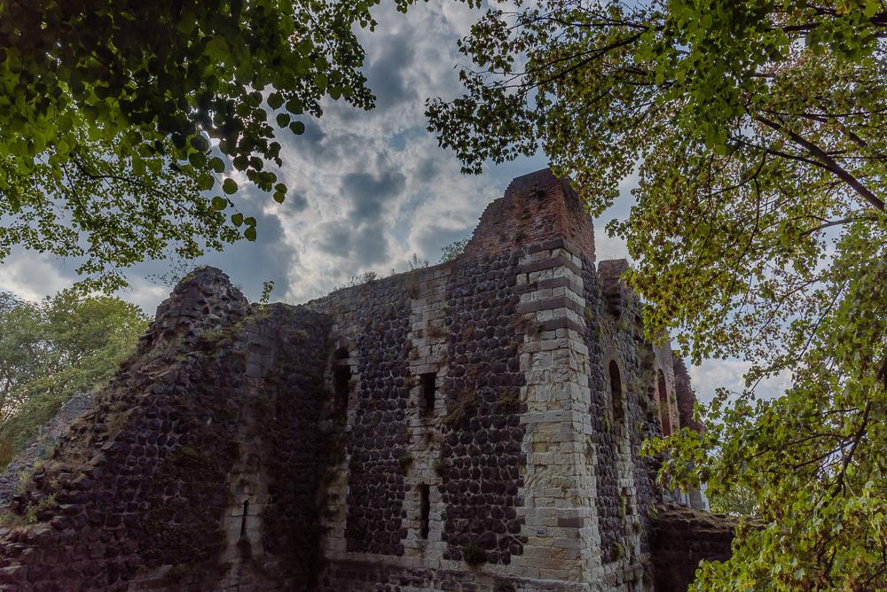 Die Ruine der Kaiserpfalz bei unserem Spaziergang durch Kaiserswerth
