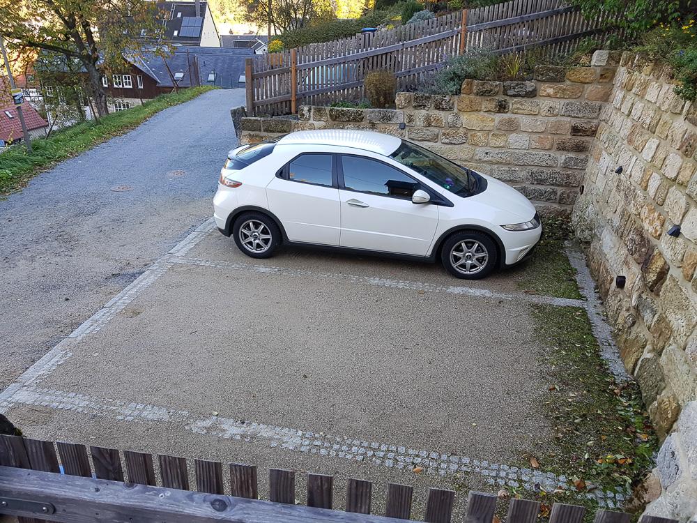 Präzises Einparken ist mit dem unübersichtlichen Honda Civic gar nicht so einfach.