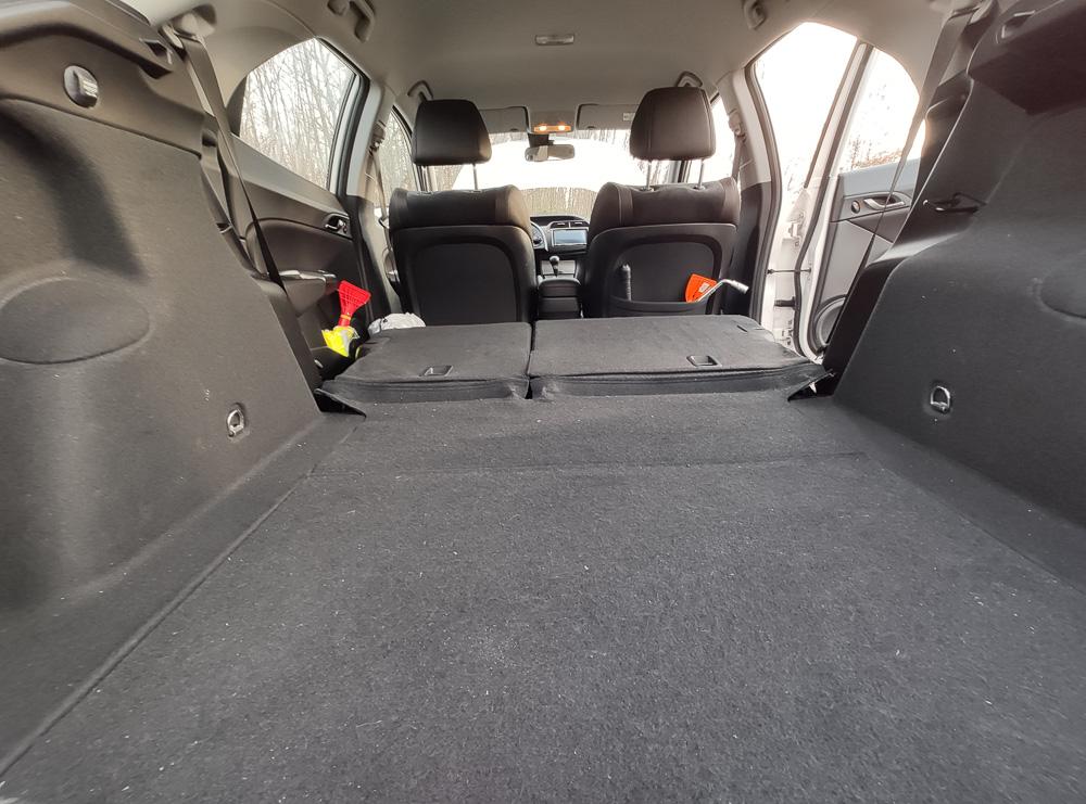 Die praktische ebene Ladefläche im Honda Civic VIII