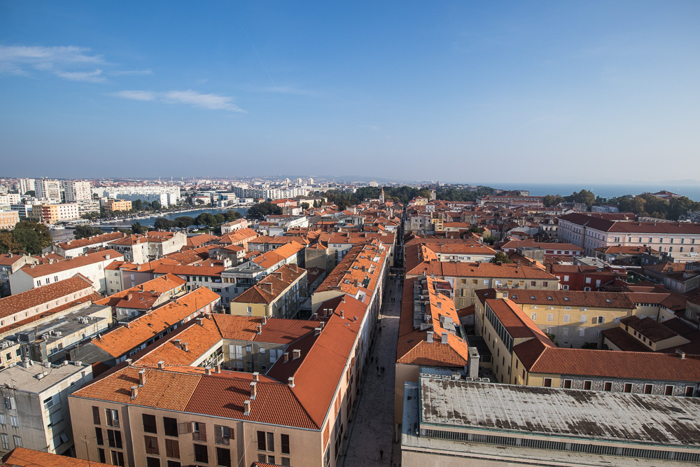 Blick vom Glockenturm der Kathedrale über die Altstadt Zadars in Richtung Süden