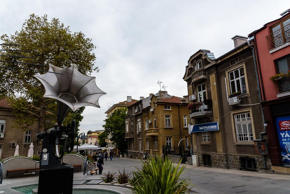 Das große Musikinstrument in der Fußgängerzone von Burgas