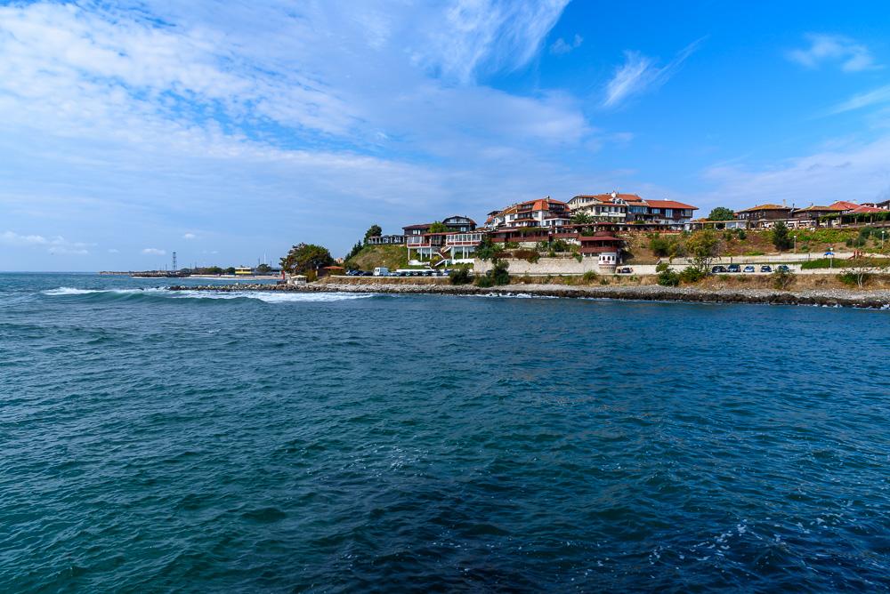 Die Altstadt Nessebars liegt malerisch direkt am Schwarzen Meer
