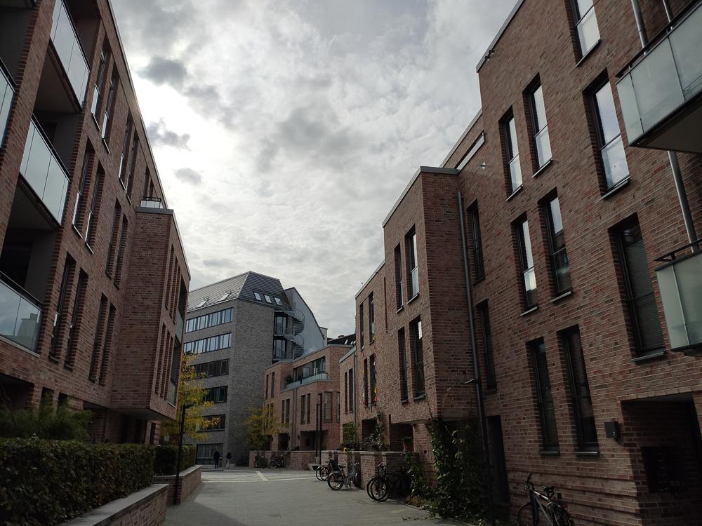 Abseits unserer vorgestellten Route durch Kiel kann man auch tolle Häuserzeilen entdecken