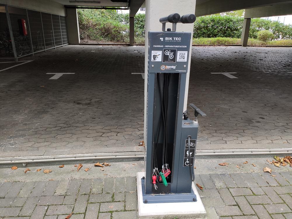 Pfiffige Reparaturstation für Fahrräder in Kiel