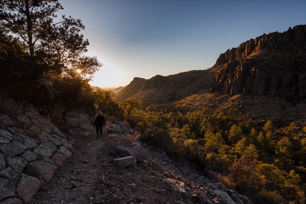 Unsere Wanderung durch das Chiricahua National Monument hat sich in die Länge gezogen, sodass wir sozusagen dem Sonnenuntergang entgegen wandern durften.